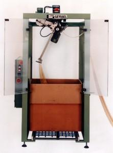 Maschine zur Ablage von Trägerbändern in Kartons Typ 442